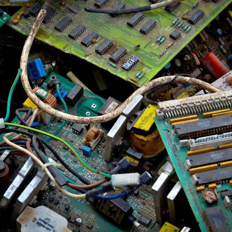 CHATARRA ELECTRONICA</br> Artefactos electronicos como computadoras, celulares, monitores, CPU, impresoras, paneles, etc.